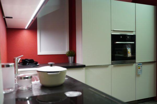 Bauformat Küchen L-Form Edelstahl Küchenspüle LED Beleuchtung