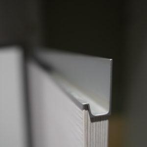 Holz Küchenfronten mit Alumiunium Griffmulden