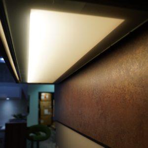 Nobilia Designküche in schwarz mit Rost Küchenrückwand
