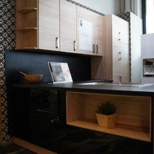 Nobilia L-Küche modern schwarze Küchenfronten Echtholzfurnier