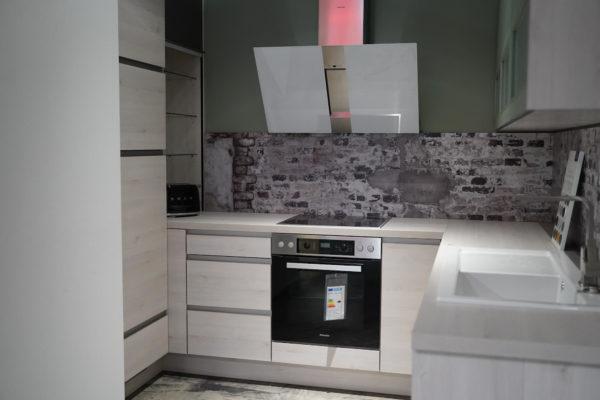 Nobilia Riva U-Küche Designküche mit Esstischlösung