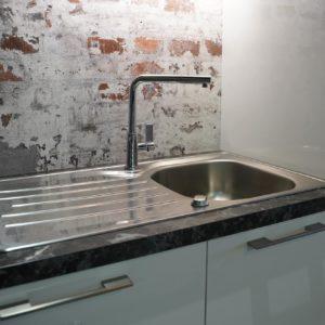Nobilia U-Küche modern mit Franke Edelstahl Küchenspüle und Edelstahl Armatur